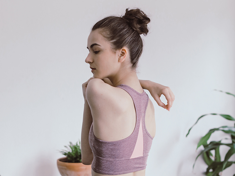 Sweat-absorbent quick drying activewear for women